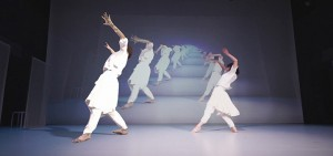 hdr-japanese-dance-troupe-collaborate-with-ai